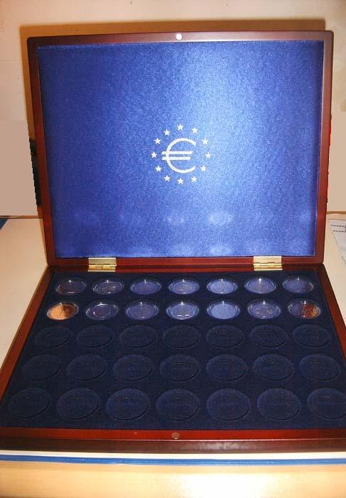 Leuchtturm 323638 - Collector Box Volterra Uno + 35 caps